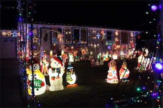 2016 Holiday Lighting Contest