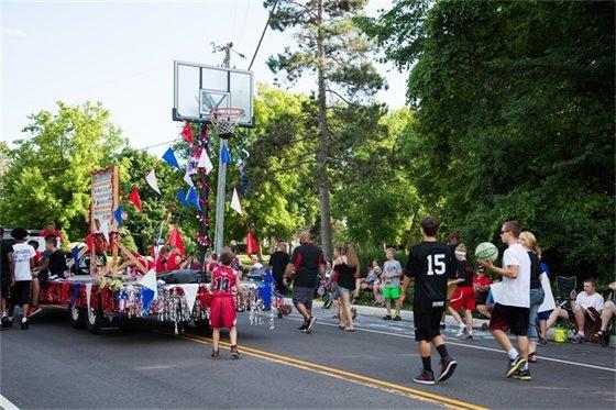 Parade fun - Sign up now